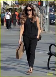 Kate Beckinsale - out in Santa Monica 12/13/13
