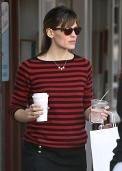 Jennifer Garner - out in Brentwood 12/16/13