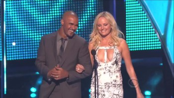MALIN AKERMAN EPIC CLEAVAGE - 40TH ANNUAL PEOPLE'S CHOICE AWARDS