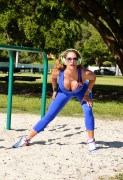 Jennifer Nicole Lee - Working out at Outdoor Gym in South Beach