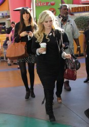 Abigail Breslin - heading to the set of Extra in Universal City 1/17/14