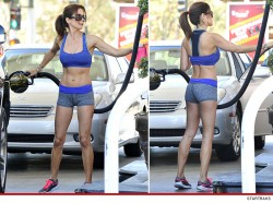 Brooke Burke at a Gas Station in Malibu on January 21, 2014