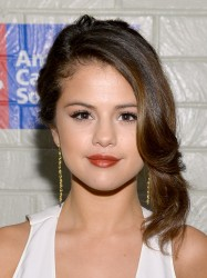 Selena Gomez - Hollywood Stands Up To Cancer Event 1/28/14