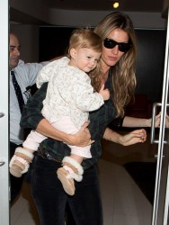 Gisele Bundchen - At LAX Airport 2/9/14