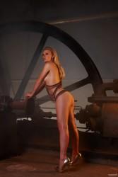 http://thumbnails111.imagebam.com/30796/415142307955847.jpg