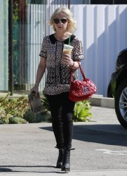 Sarah Michelle Gellar - leaving Andy LeCompte Salon in West Hollywood 2/14/14
