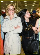 Ariel Winter & Julie Bowen - Arriving at  Sydney International Airport