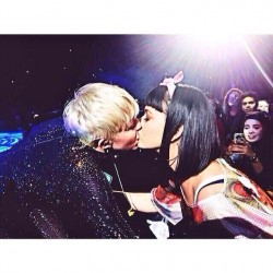Miley Cyrus Kissing Katy Perry at Her Bangerz Concert in Los Angeles on February 22, 2014