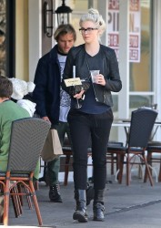Ireland Baldwin - Out for lunch in Sherman Oaks 3/4/14