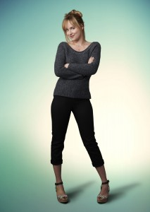 "2 Imagenes publicitarias de Dakota Johnson para ""Ben and Kate"" ahora en UHQ sin Marcas!"