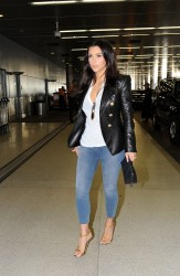 Kim Kardashian - Leaving Miami 3/13/14