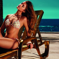 recliner Barbara Palvin twin set swimwear
