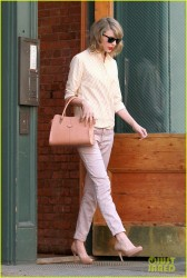 Taylor Swift - Leaving her apartment in NYC 4/10/14