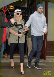 Christina Aguilera - Leaving her hotel in NYC 4/15/14