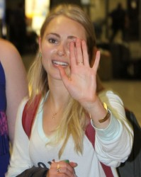 AnnaSophia Robb - At Washington Dulles Airport 5/1/14