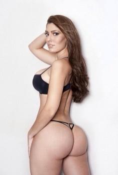 sexy model big breast n booty