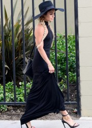 Vanessa Hudgens - Leaving The Village restaurant in Studio City 5/21/14