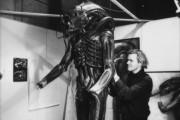 Чужой / Alien (Сигурни Уивер, 1979)  Be37d1330369755