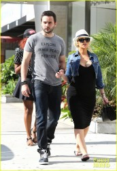 Christina Aguilera - Shopping in LA 6/7/14