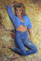 Vanna White: Ready 4 A 'Roll In The Hay' - MQ x 1