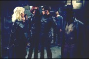Люди Икс 2 / X-Men 2 (Хью Джекман, Холли Берри, Патрик Стюарт, Иэн МакКеллен, Фамке Янссен, Джеймс Марсден, Ребекка Ромейн, Келли Ху, 2003) C883fd334089424