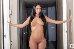 http://thumbnails111.imagebam.com/33843/b2656e338420043.jpg