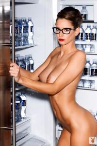 http://thumbnails111.imagebam.com/33924/671b12339237402.jpg
