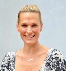 Molly Sims CMEE Family Fair 07-19-2014