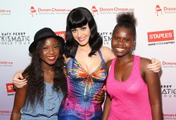 Katy Perry With Fans at Her Prismatic Concert in Washington, D.C. on July 24, 2014