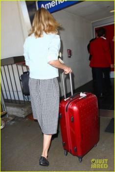 Diane Kruger - LAX Airport - x 5 lq
