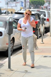 Hilary Duff out in Beverly Hills 08-02-2014