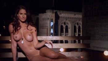 Nackt  Jaime Edmondson Faith Julie Bowen