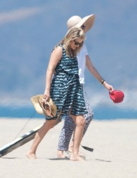 Ali Larter on a beach in LA 08-13-2014 (not HQ)