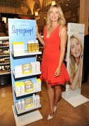 Maria Sharapova - SuperGoop! Personal Appearance at Sephora 5th Avenue in New York City - August 18-2014 x20