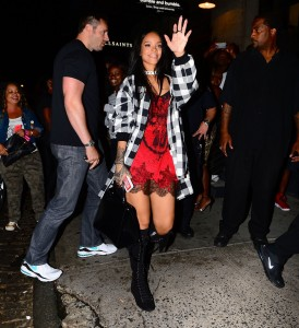 7c7f51346438950 Rihanna arriving to VIP Nightclub (August 18, 2014) candids