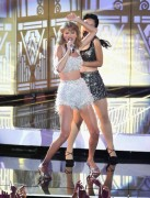Taylor Swift - Shake it Off Performance MTV VMA's 8/24/14 (Pics)
