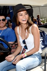 35747b348525323 Jamie Chung at the 2014 Budweiser Made in America Festival in Los Angeles   August 30, 2014   24 HQ candids