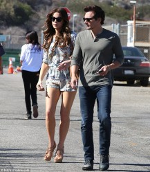 Kate Beckinsale leggy at a food festival in Malibu 08-30-2014 (not HQ)