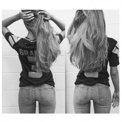 Ariana Grande Wearing Tight Jeans - 9/4/14