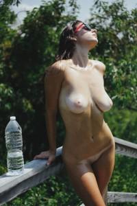 http://thumbnails111.imagebam.com/35041/d20dc5350402898.jpg