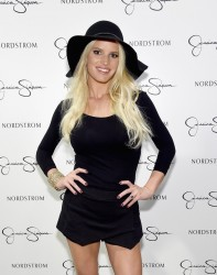 Jessica Simpson - Jessica Simpson & Nordstrom Present A Fashion Show At The Grove 9/20/14