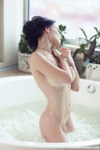 http://thumbnails111.imagebam.com/35449/9df7ae354483213.jpg