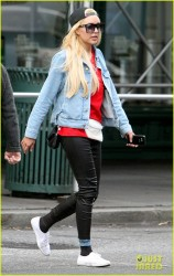 Amanda Bynes - Out & About in NYC 10/7/14