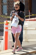 Briney Spears  At a dermatology appointment october 13, 2014 x14HQ