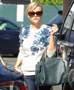Reese Witherspoon - booty in jeans, out in LA October 22-2014 x107