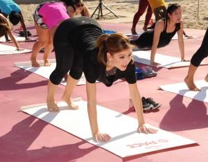 Maria Menounos - Ocean Spray Cranberry Extract Water launch in Hermosa Beach 10/23/14
