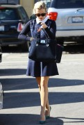 Reese Witherspoon gets her hair done in Beverly Hills. October 24-2014 x188