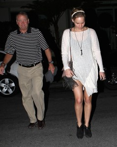 Jennifer Lawrence Out in LA, 10/27/14 8