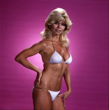 LONI ANDERSON bikini - x1