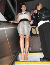 Kim Kardashian arrives at LAX 5/11/12